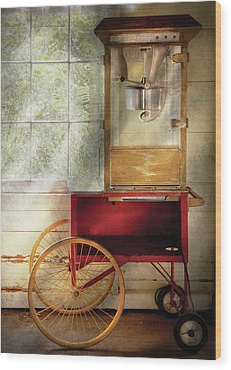 Carnival - The Popcorn Cart Wood Print by Mike Savad