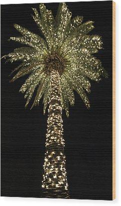 Carolina Christmas Wood Print by Serge Skiba