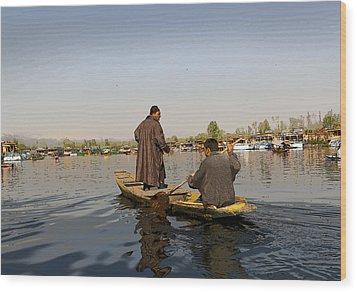 Cartoon - Kashmiri Men Plying A Wooden Boat In The Dal Lake In Srinagar Wood Print