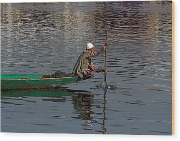 Cartoon - Man Plying A Wooden Boat On The Dal Lake Wood Print
