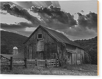 Casey's Barn-black And White  Wood Print by Thomas Schoeller
