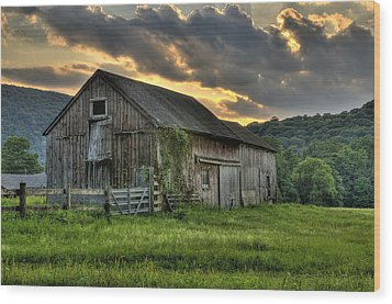 Casey's Barn Wood Print by Thomas Schoeller