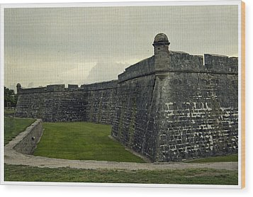 Castillo San Marcos 5 Wood Print by Laurie Perry