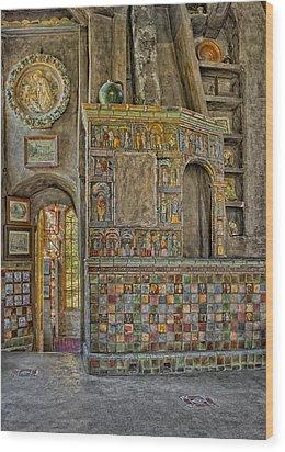 Castle Salon Wood Print by Susan Candelario