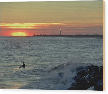 Wood Print featuring the photograph Catching A Wave At Sunset by Ed Sweeney