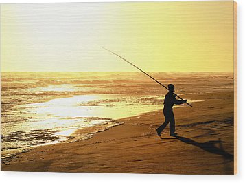 Catching The Last Rays... Wood Print by A Rey