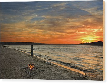 Catching The Sunset Wood Print by Steven  Michael