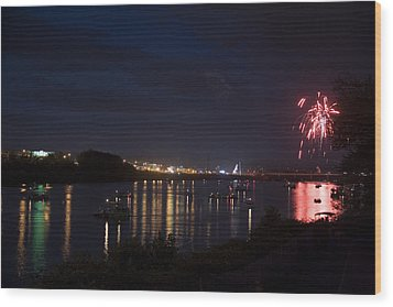 Celebrating Independence Day On The Susquehanna Wood Print by Gene Walls