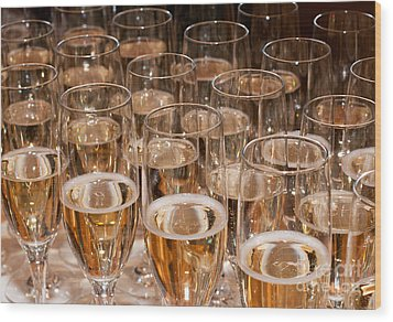 Champagne 02 Wood Print by Rick Piper Photography