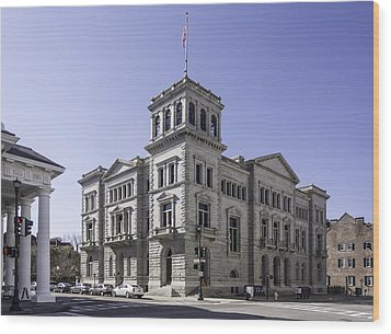 Charleston Post Office And Courthouse Wood Print by Lynn Palmer