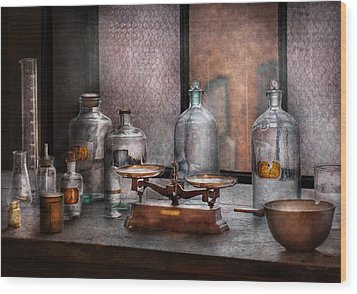Chemist - The Art Of Measurement Wood Print by Mike Savad