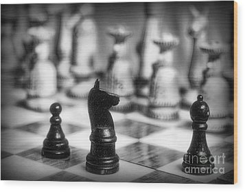 Chess Game In Black And White Wood Print by Paul Ward