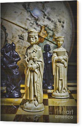 Chess - The Sacrifice Wood Print by Paul Ward