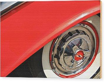 1955 Chevy Rim Wood Print by Linda Bianic