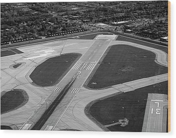 Chicago Airplanes 04 Black And White Wood Print by Thomas Woolworth