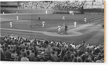 Chicago Cubs On The Defense Wood Print by Thomas Woolworth
