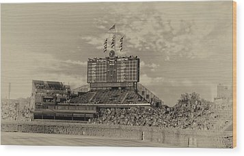 Chicago Cubs Scoreboard In Heirloom Finish Wood Print by Thomas Woolworth
