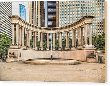 Chicago Millennium Monument In Wrigley Square Wood Print by Paul Velgos