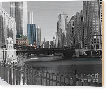 Chicago River At Franklin Street Wood Print by David Bearden