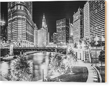 Chicago River Buildings At Night In Black And White Wood Print by Paul Velgos