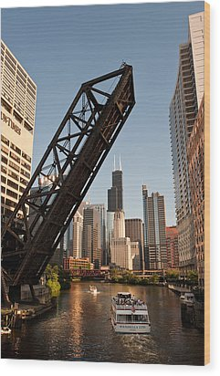 Chicago River Traffic Wood Print by Steve Gadomski
