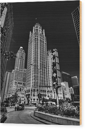 Chicago - Tribune Tower 001 Wood Print by Lance Vaughn