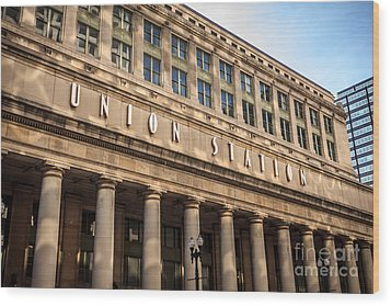 Chicago Union Station Building And Sign Wood Print by Paul Velgos