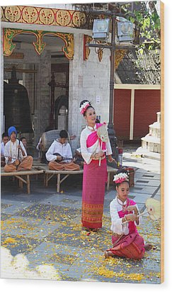 Child Performers - Wat Phrathat Doi Suthep - Chiang Mai Thailand - 01132 Wood Print by DC Photographer