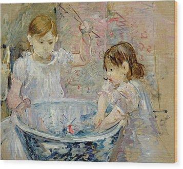 Children At The Basin Wood Print by Berthe Morisot