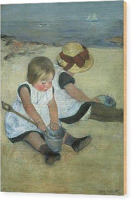 Children At The Seashore Wood Print by Mary Cassatt