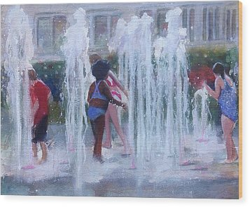 Children In Fountains Wood Print by Gregory DeGroat