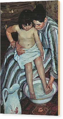 Child's Bath Wood Print by Mary Cassatt