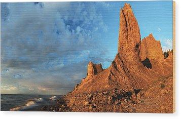 Chimney Bluffs 2 Wood Print by Mark Papke