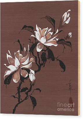 Chinese Magnolia Wood Print by Linda Smith