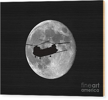 Chinook Moon B And W Wood Print by Al Powell Photography USA