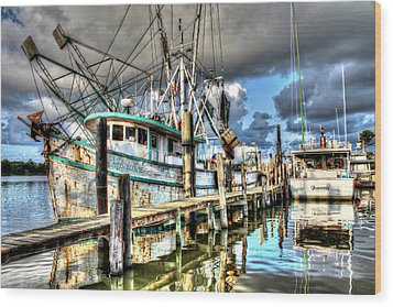 Christi Lynne At Billy's Seafood Wood Print