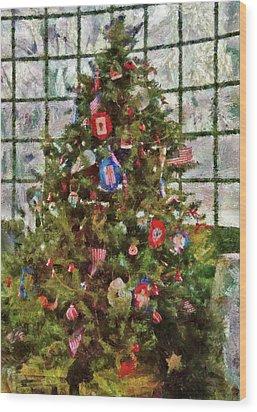 Christmas - An American Christmas Wood Print by Mike Savad