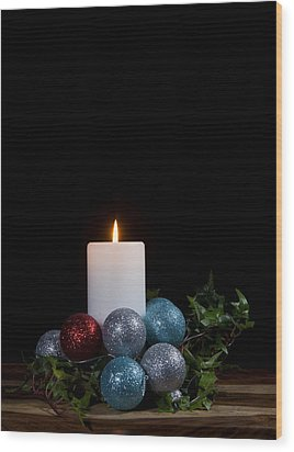 Christmas Candle2 Wood Print by Cecil Fuselier