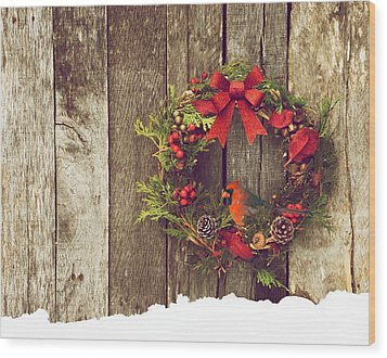 Christmas Cardinal. Wood Print by Kelly Nelson