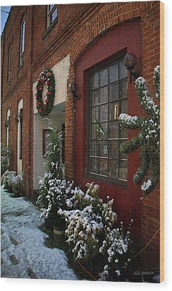 Christmas Decorations In Grants Pass Old Town  Wood Print by Mick Anderson