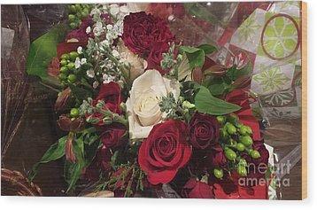 Christmas Floral Bouquet Wood Print