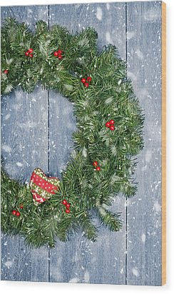 Christmas Garland Wood Print by Amanda Elwell
