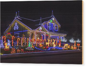 Christmas House Wood Print by Garry Gay