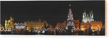 Christmas Market Wood Print by Gary Lobdell