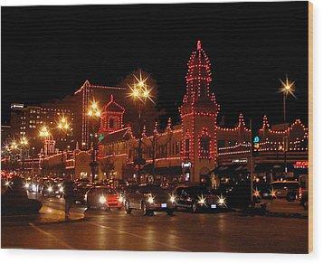 Christmas On The Plaza Wood Print