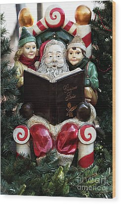 Christmas Stories Wood Print by John Rizzuto