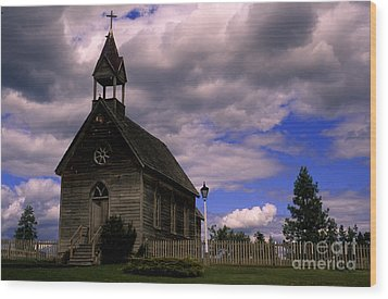 Church At The Okeefe Ranch Wood Print by Bob Christopher