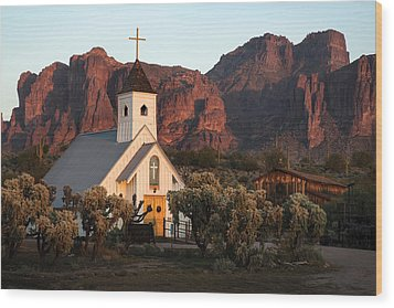 Church At The Superstition Mountains Arizona Wood Print