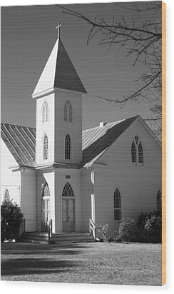 Church In Black And White Wood Print by Carolyn Ricks