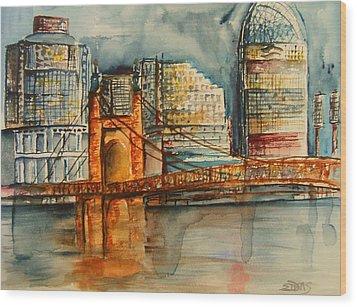 Cincinnati At Dusk Wood Print by Elaine Duras
